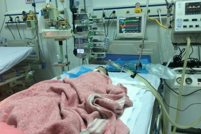 Bé gái 8 tháng tuổi bị tiêm nhầm thuốc tại BV Đa khoa Đông Anh đã qua đời - Ảnh 1.