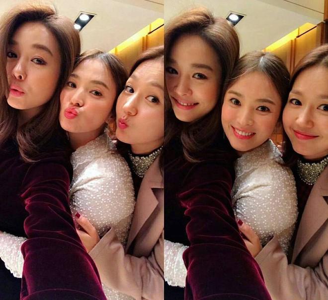 Chuyện đám cưới Song Song giờ mới kể: Vì phản ứng này của Song Hye Kyo, nữ ca sĩ thân thiết đã bật khóc - Ảnh 3.