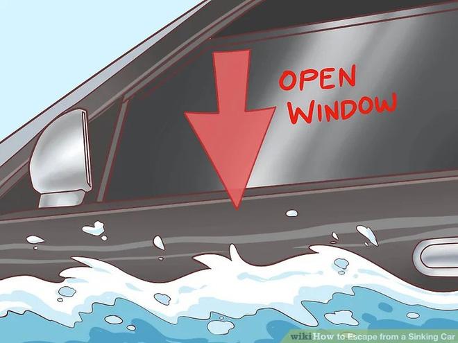 Nếu vô tình cầu sập, ô tô rơi xuống nước thì phải xử lý như thế nào mới an toàn? - Ảnh 3.