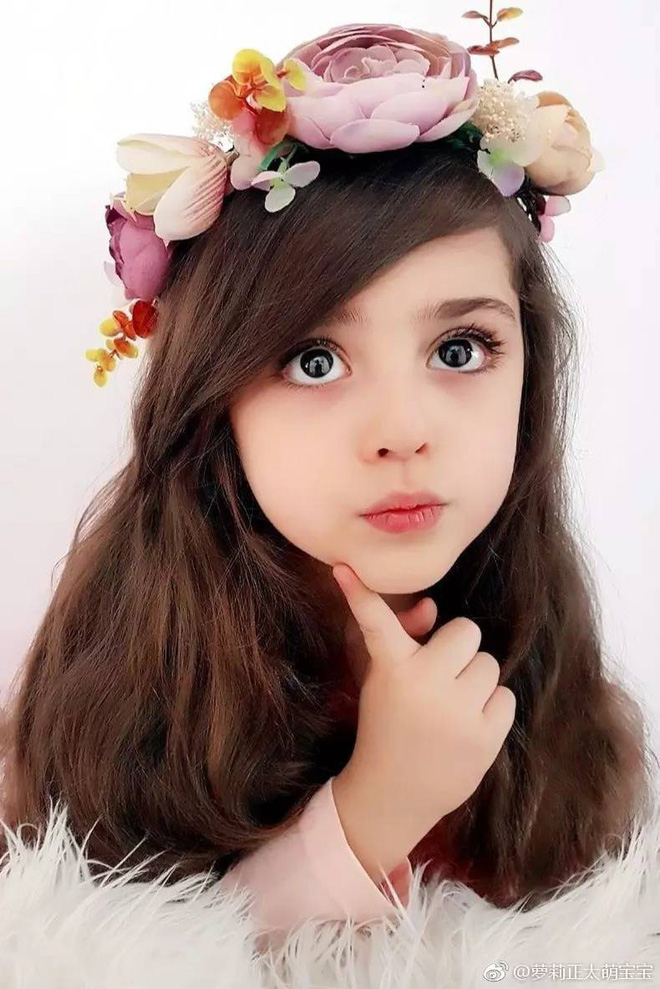 Thiên thần nhỏ người Iran khiến cư dân mạng Trung Quốc sửng sốt vì giống mỹ nữ Tân Cương Địch Lệ Nhiệt Ba - Ảnh 5.