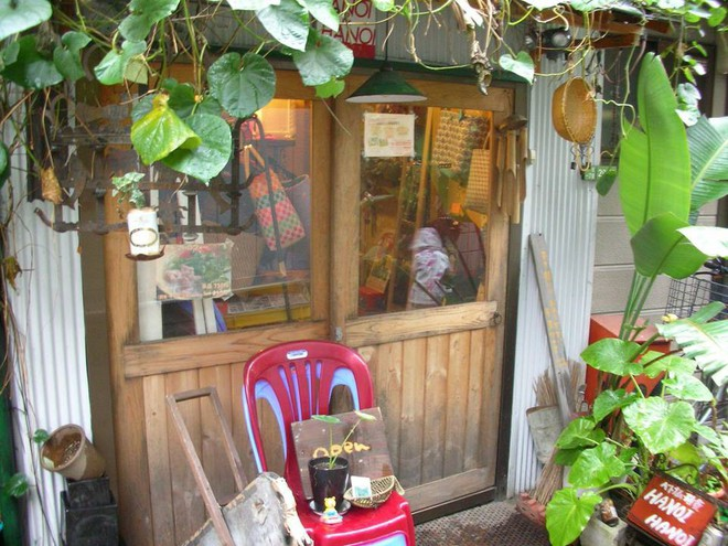 Nhà hàng Việt cực chất giữa thủ đô Tokyo: Mang cả xích lô, xe đẩy bánh mì, cốc thủy tinh từ Việt Nam sang! - Ảnh 5.