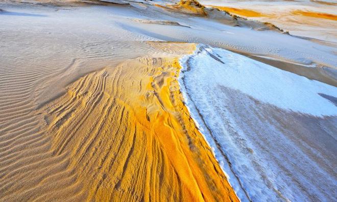Lý giải hiện tượng tuyết rơi trắng xóa tại... sa mạc Sahara - Ảnh 8.