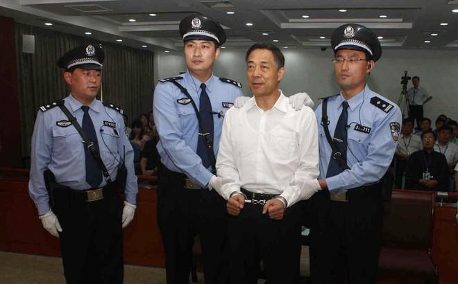 Trung Quốc bắt và xét xử Ủy viên Bộ chính trị đương nhiệm như thế nào?