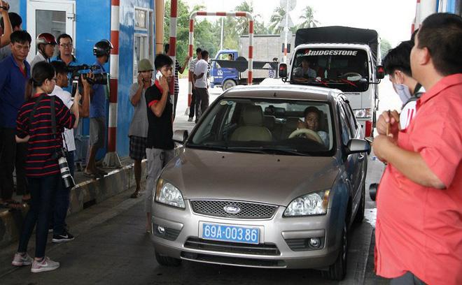 Tài xế xe biển xanh phản ứng ở BOT Sóc Trăng, PCT Hội Chữ thập đỏ Cà Mau xác nhận xe