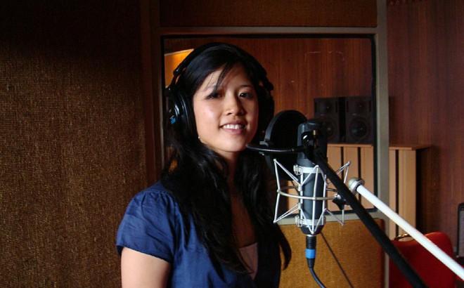 """Cô gái đầu tiên hát """"Bonjour Vietnam"""" và con đường nổi tiếng vì sự cố bất ngờ"""