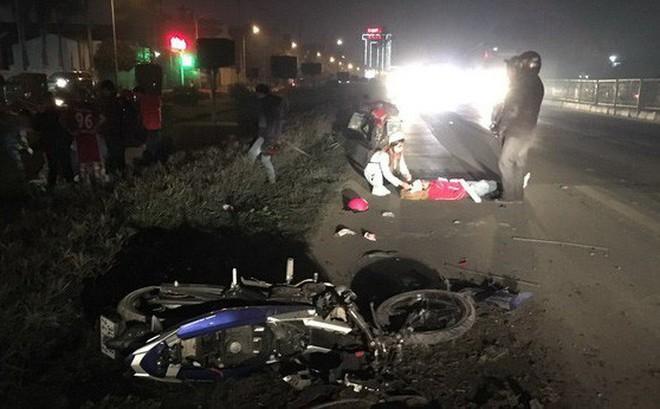 Hải Dương: Xe container mất lái, 4 người bị thương nặng