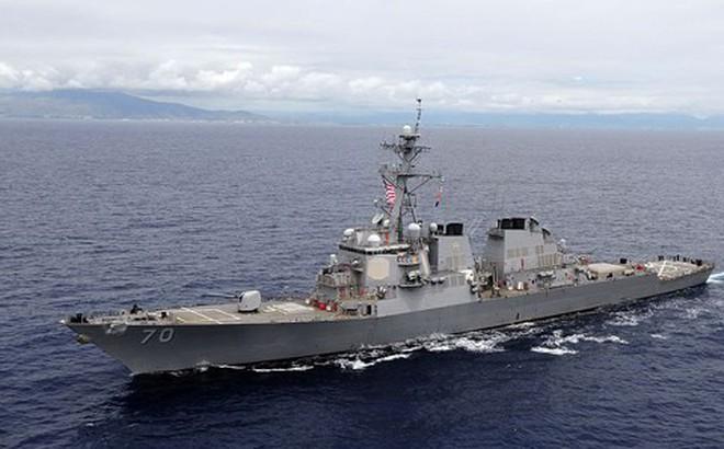 """Tàu chiến Mỹ tới gần bãi cạn Scarborough, Trung Quốc bắt """"sửa lỗi ngay lập tức"""""""