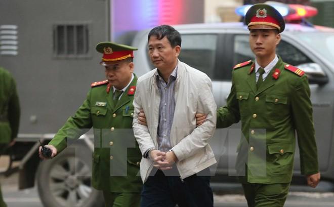 Trịnh Xuân Thanh cùng em trai ông Đinh La Thăng đang hầu tòa về tội tham ô