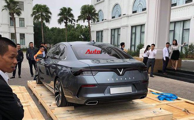 HOT: Khui công sedan VinFast Lux A2.0 tại Việt Nam