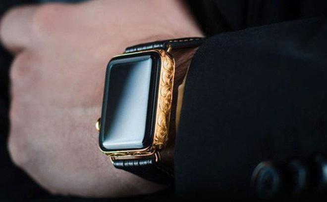 Mãn nhãn với chiếc Apple Watch Series 4 phiên bản mạ vàng trị giá hơn 50 triệu đồng