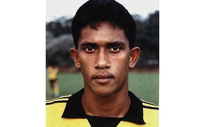 Cựu tuyển thủ Malaysia ra đường ăn xin để kiếm tiền chữa bệnh