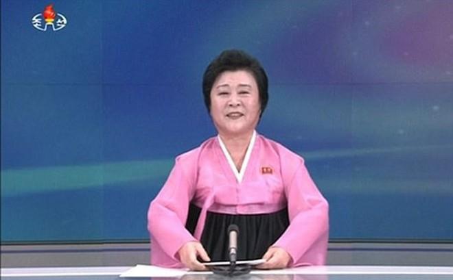 """Những mỹ nhân trẻ tuổi khiến quý bà áo hồng Triều Tiên """"thất sủng"""""""