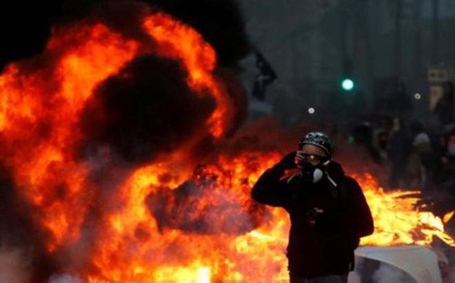 Paris của Pháp tiếp tục hỗn loạn trong đợt biểu tình thứ 4