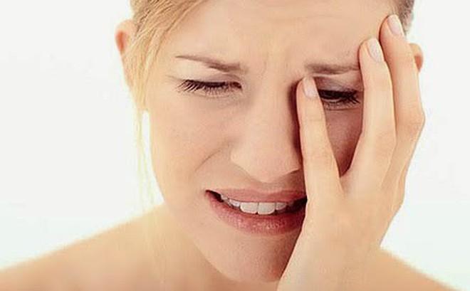 Hạn chế ê buốt sau lấy cao răng