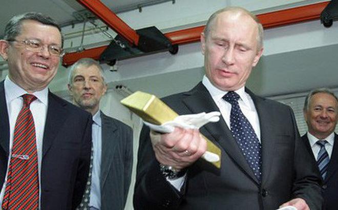 """Mặc cho phương Tây kìm kẹp, kinh tế Nga vẫn phát triển """"như không"""""""