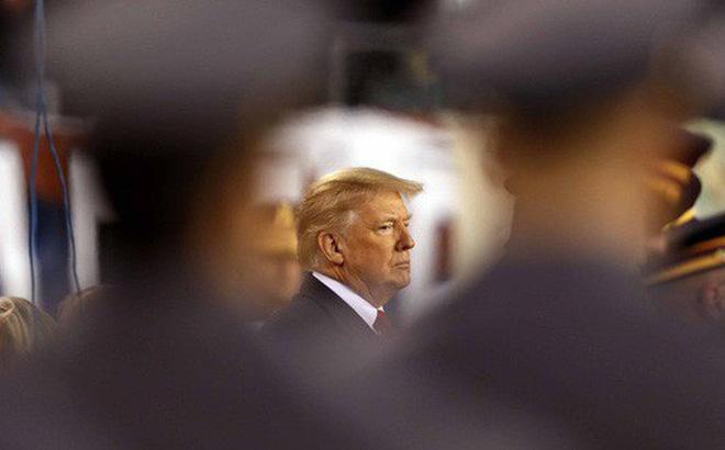 """Tổng thống Trump than phiền """"bị quấy rối"""""""