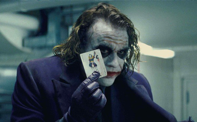 """Cuối cùng thì bí ẩn về màn """"ảo thuật bút chì"""" của Joker trong The Dark Knight cũng đã được giải đáp"""