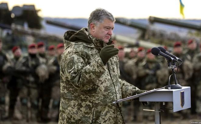 Sắc lệnh thiết quân luật của Ukraine chỉ là chiêu PR?