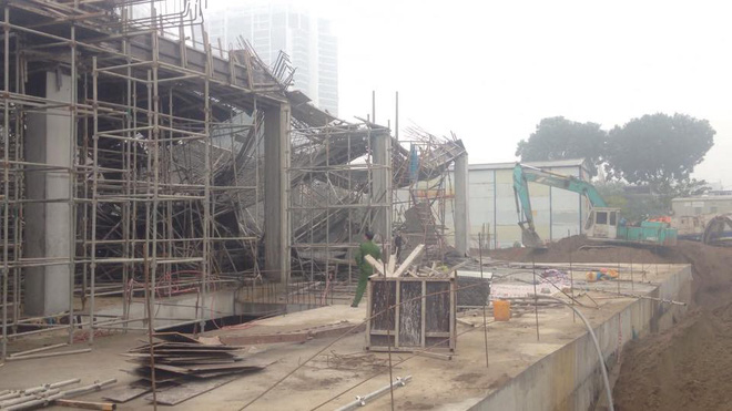 Cận cảnh hiện trường vụ sập giàn giáo khiến 3 công nhân thiệt mạng ở Hà Nội - Ảnh 4.