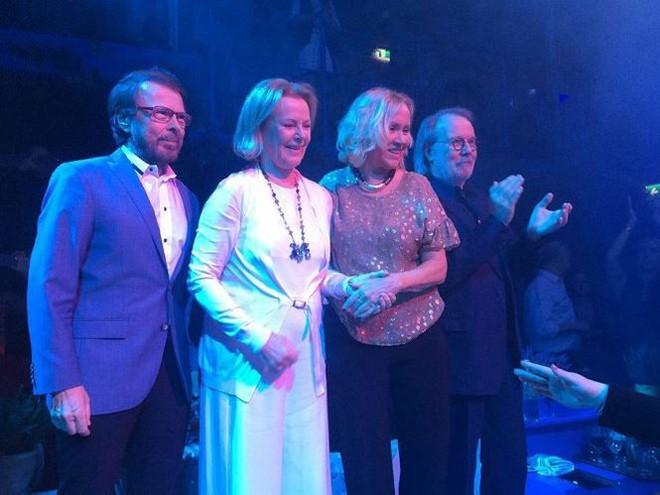 Ban nhạc ABBA giờ ra sao sau 40 năm ca khúc 'Happy New Year' ra đời?  - Ảnh 1.