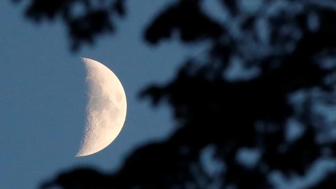 Tàu thăm dò Trung Quốc chuẩn bị đáp xuống Mặt Trăng - Ảnh 1.