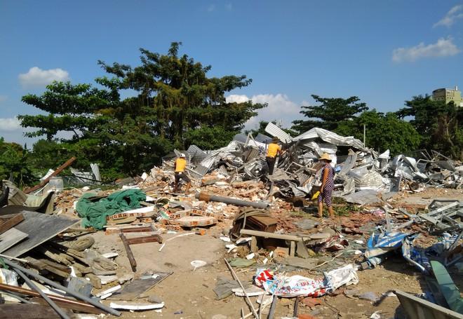 [ẢNH]: Khu đất vườn rau Lộc Hưng ở Tân Bình bị cưỡng chế, tan hoang như bình địa - Ảnh 3.
