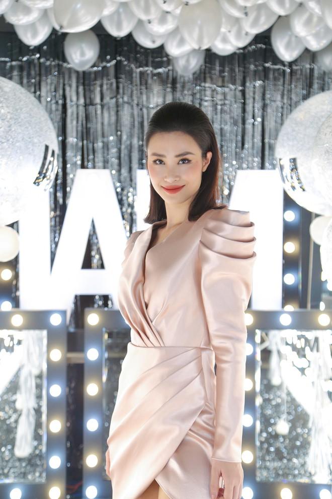 Dàn sao xinh đẹp, mặc lộng lẫy xuất hiện tại sự kiện của Chung Thanh Phong - Ảnh 4.