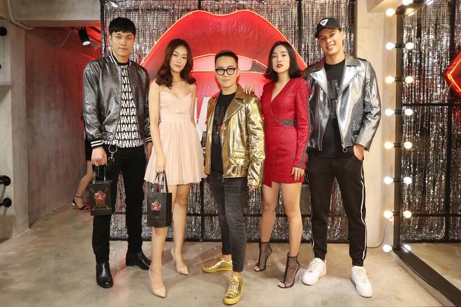 Dàn sao xinh đẹp, mặc lộng lẫy xuất hiện tại sự kiện của Chung Thanh Phong - Ảnh 1.