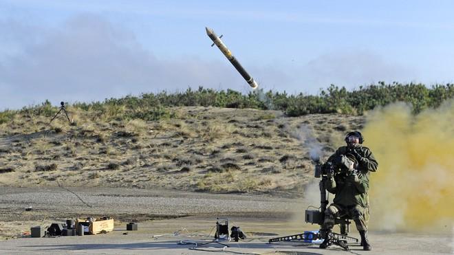 Tên lửa phòng không vác vai Mistral thể hiện khả năng chống hạm ưu việt - Ảnh 1.