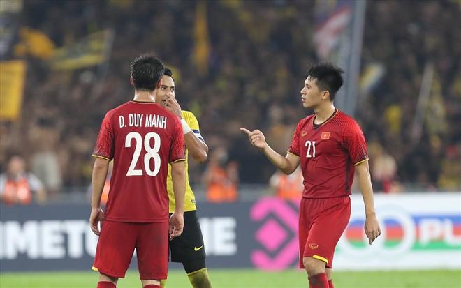 VFF chi 1,3 tỉ đồng cho 3 tuyển thủ sang Hàn Quốc phẫu thuật - Ảnh 1.