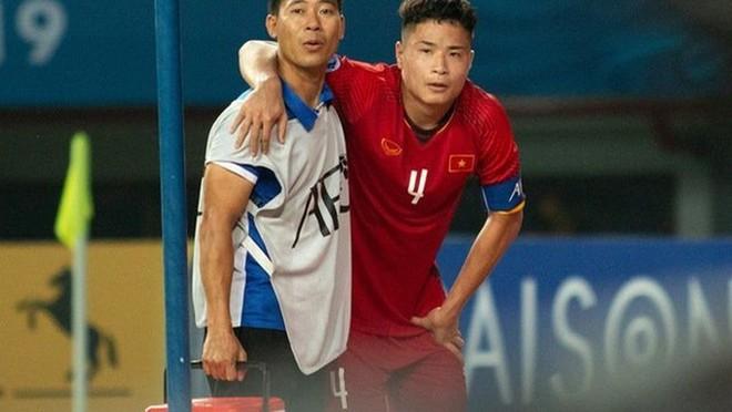 VFF chi 1,3 tỉ đồng cho 3 tuyển thủ sang Hàn Quốc phẫu thuật - Ảnh 2.
