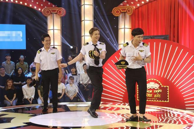 5 chú tiểu nhí tiếp tục thắng 100 triệu, gây sốt khi hát Cát bụi của Trịnh Công Sơn - Ảnh 2.