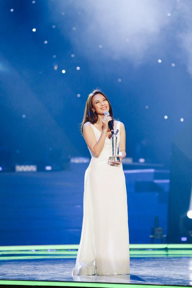 Mỹ Tâm gợi cảm, lần đầu mang hit nhạc phim lên sân khấu - Ảnh 2.