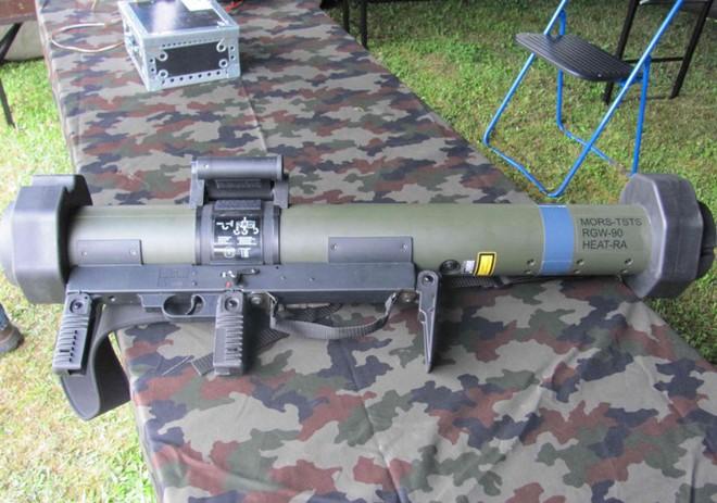 Ảnh: Uy lực đáng nể của súng chống tăng MATADOR - Ảnh 1.