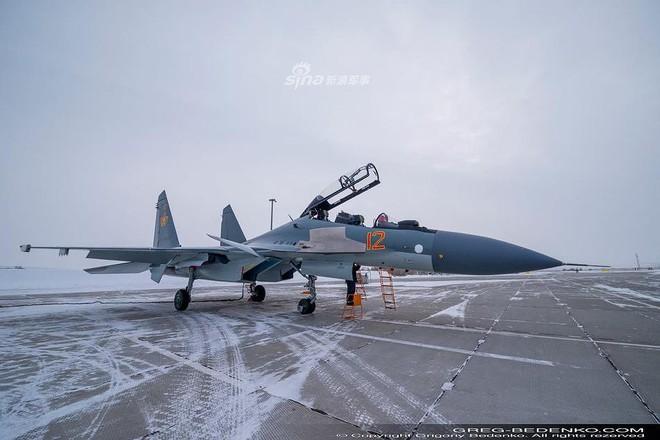 [ẢNH] Phi công Nga đích thân lái Su-30SM nội địa bàn giao cho đồng minh thân thiết - Ảnh 11.