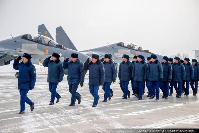 [ẢNH] Phi công Nga đích thân lái Su-30SM nội địa bàn giao cho đồng minh thân thiết - Ảnh 13.