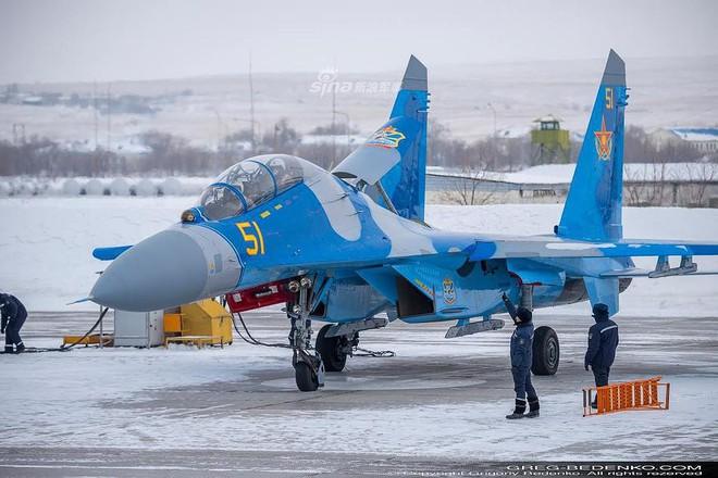 [ẢNH] Phi công Nga đích thân lái Su-30SM nội địa bàn giao cho đồng minh thân thiết - Ảnh 18.