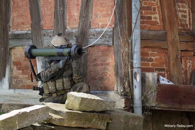 Ảnh: Uy lực đáng nể của súng chống tăng MATADOR - Ảnh 7.