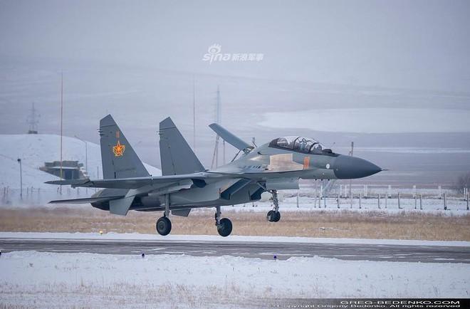 [ẢNH] Phi công Nga đích thân lái Su-30SM nội địa bàn giao cho đồng minh thân thiết - Ảnh 7.