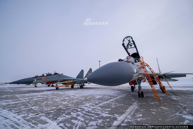 [ẢNH] Phi công Nga đích thân lái Su-30SM nội địa bàn giao cho đồng minh thân thiết - Ảnh 9.