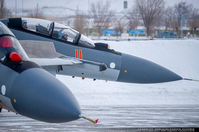 [ẢNH] Phi công Nga đích thân lái Su-30SM nội địa bàn giao cho đồng minh thân thiết - Ảnh 10.
