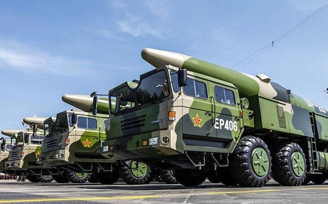 """[ẢNH] Tên lửa đạn đạo """"sát thủ tàu sân bay"""" Trung Quốc vừa triển khai nguy hiểm đến mức nào?"""