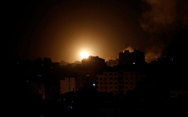 Máy bay chiến đấu Israel ồ ạt xuất kích, tấn công Gaza
