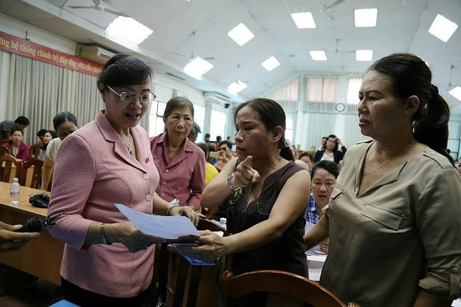 Bà Nguyễn Thị Quyết Tâm nhận quyết định nghỉ hưu - Ảnh 3.
