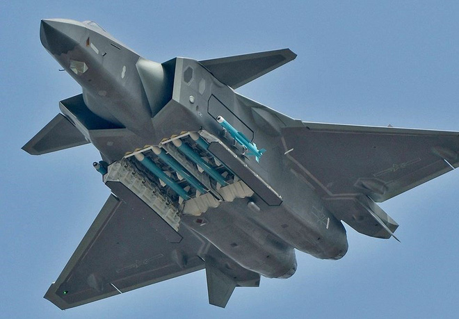[ẢNH] J-20 Trung Quốc và F-35 Nhật Bản chuẩn bị có cuộc đối đầu lịch sử: Ai sẽ thắng? - Ảnh 6.