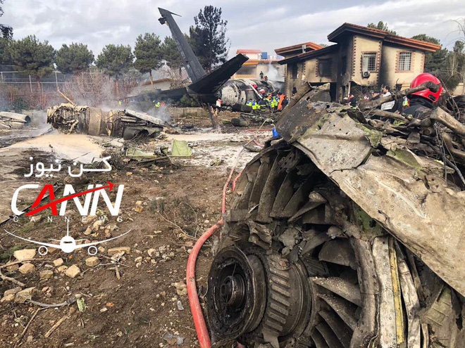 Trượt khỏi đường băng, Boeing-707 của quân đội Iran bốc cháy, chỉ 1 người sống sót - Ảnh 9.