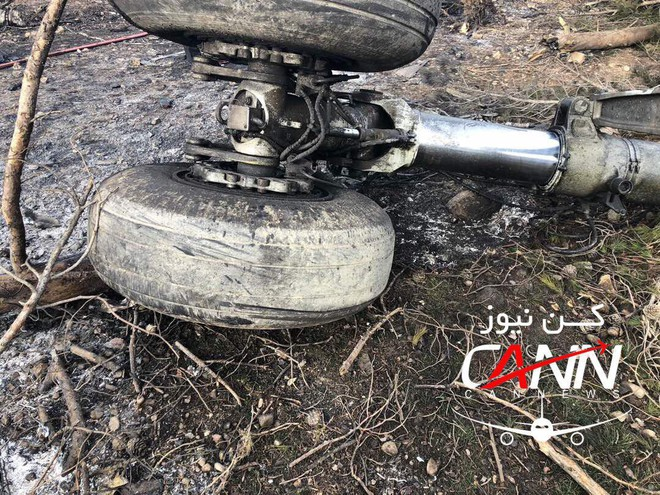 Trượt khỏi đường băng, Boeing-707 của quân đội Iran bốc cháy, chỉ 1 người sống sót - Ảnh 10.