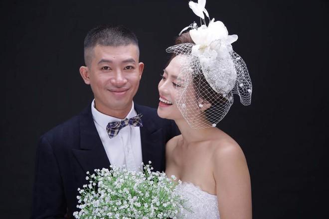 Chồng diễn viên Thúy An: Trang phục của vợ tôi thì khỏi nói, đúng chuẩn gái ngành hết date - Ảnh 4.