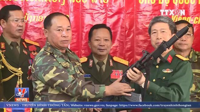Bàn giao súng Galil ACE cho Lào: Vũ khí Việt Nam đã sẵn sàng xuất khẩu - Ảnh 1.