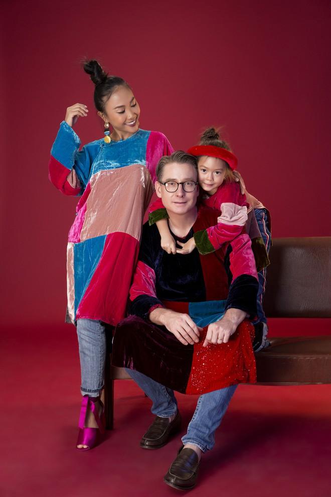 Con gái 5 tuổi của Đoan Trang tạo dáng chuyên nghiệp hơn cả mẹ - Ảnh 5.